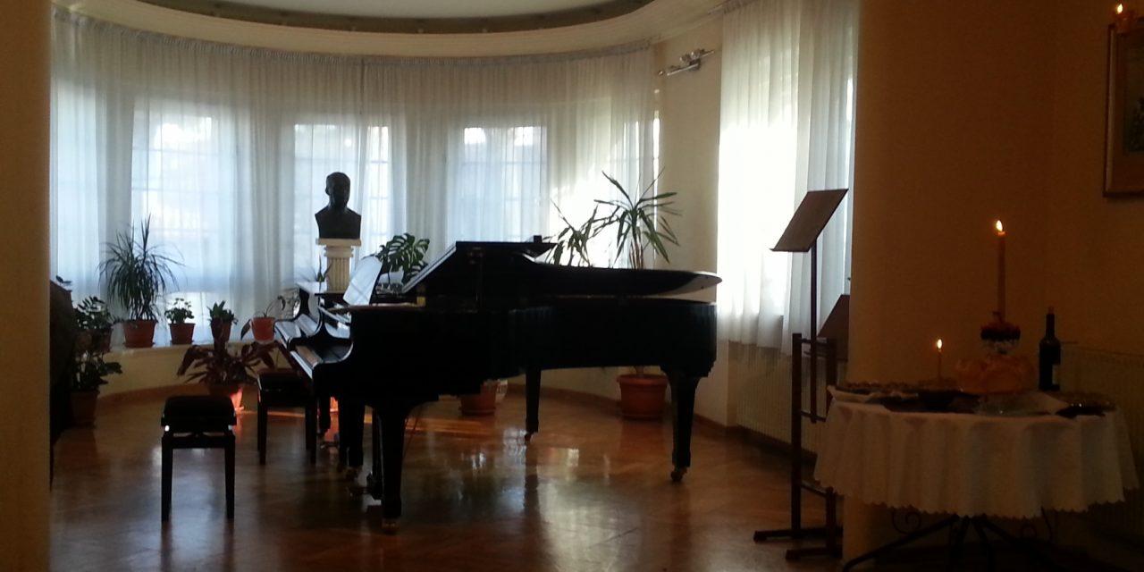 """Два концерта ученика наше школе, клавирског одсека, у музичкој школи """"Станислав Бинички"""""""